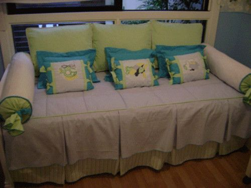 9 best camas beds images on pinterest beds bed and for Cojines para sofas