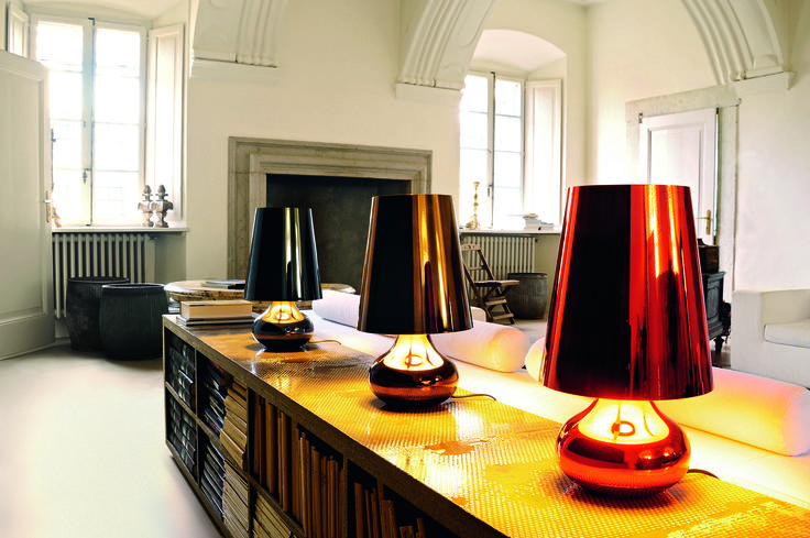 Simple but yet gorgeous... The Cindy lamp was designed by Ferruccio Laviani for Kartell.