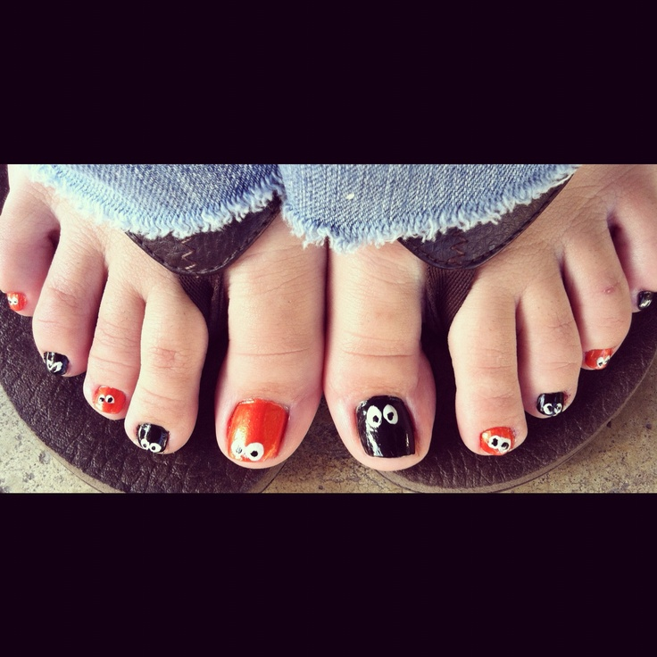 Toe Nail Art Holidays: NAIL POLISH ADDICT!!!
