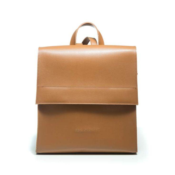 Τσάντα καθημερινή,διαχρονικής αξίας και άριστης ποιότητας υλικά και φόρμες που μοιάζουν με κομψοτεχνήματα κι έρχονται να ολοκληρώσουν τις εμφανίσεις σας.