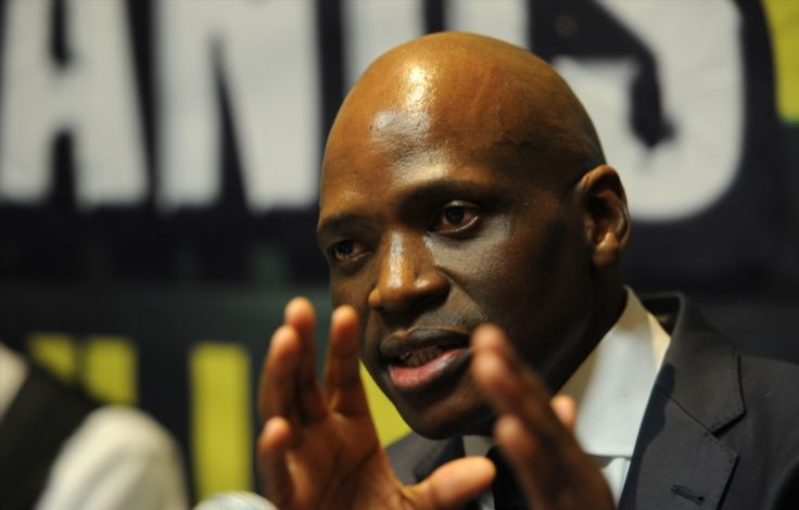 'Ban Hlaudi Motsoeneng from speaking at schools!' .DA  The opposition is unhappy with the disgraced former SABC COO giving political speeches to the youth. https://www.thesouthafrican.com/ban-hlaudi-motsoeneng-from-speaking-at-schools-da/