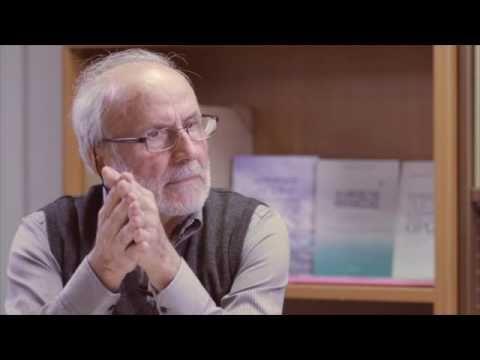 Ναυτιλιακές σπουδές εισηγητής ο Δρ  Γιαννάκης καθηγητής Ναυτιλιακών Σπουδών