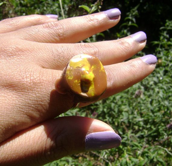 This ring features a #sweet, fluffy short stack of pancakes topped with maple syrup and butter perched on a one-size-fits all nickle-plated ring. This is a OOAK piece.  ====... #handmade #etsy #snowbunnystudios #japan #japanese #otaku #cute #lolita #breakfast #fashion #shopsteam #deco