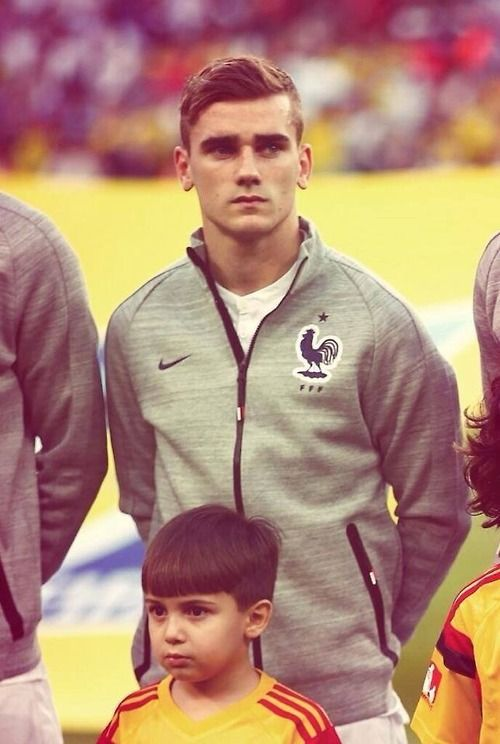 Griezmann with a very good hair style - ans now?!