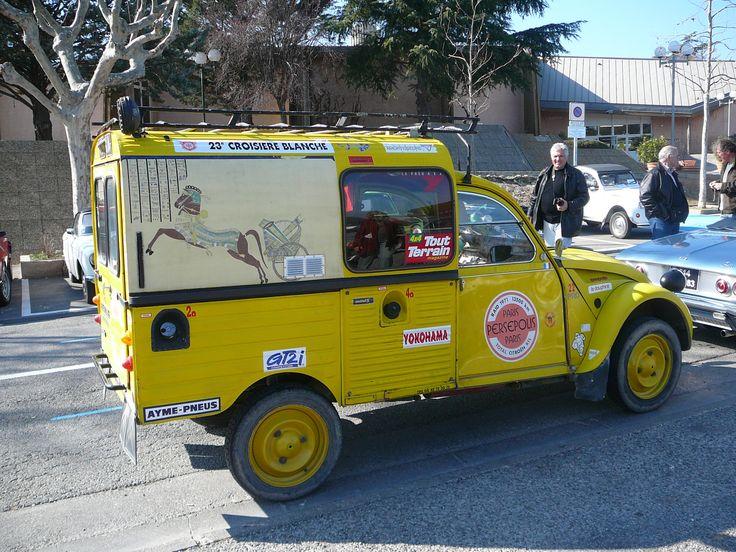 400 M du Gîte la Soleiade, à Gréoux les Bains en Provence : bourse-auto-moto