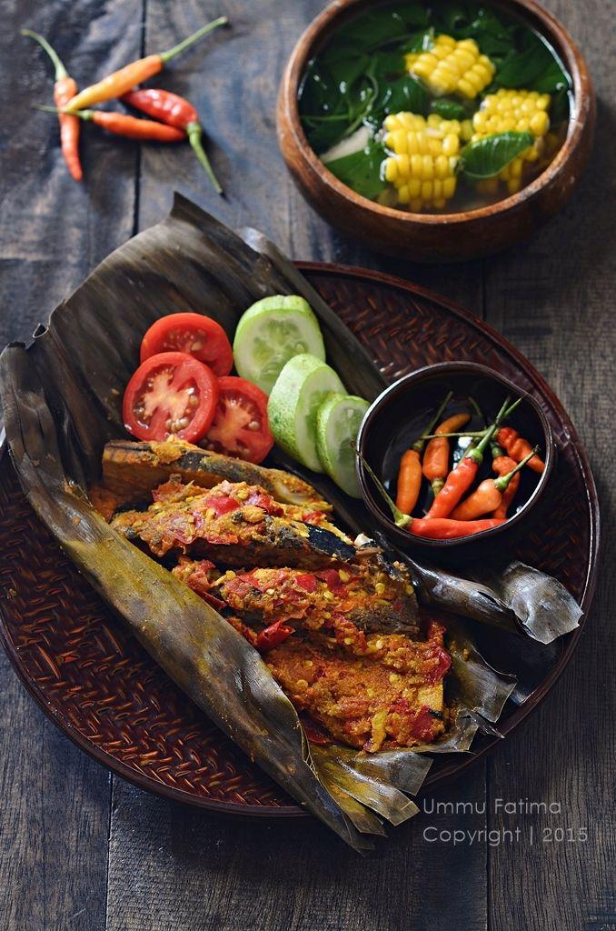 Pepes / Brengkes Ikan Tongkol Makan malam, Makanan