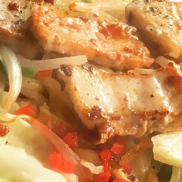 Solo-teppanyaki #okonomiyakihonpo #hamamatsu #japan #teppanyaki #squid #salted #yakisoba #noodles #pork #meat #japanesebbq #bbq #foodpics #foodphotography #instafood #foodporn #gastroporn #お好み焼本舗 #浜松#日本 #鉄板焼き #イカ #塩焼きそば #焼きそば #やきそば #豚肉 #豚 #肉 #昼ごはん #飯テロ