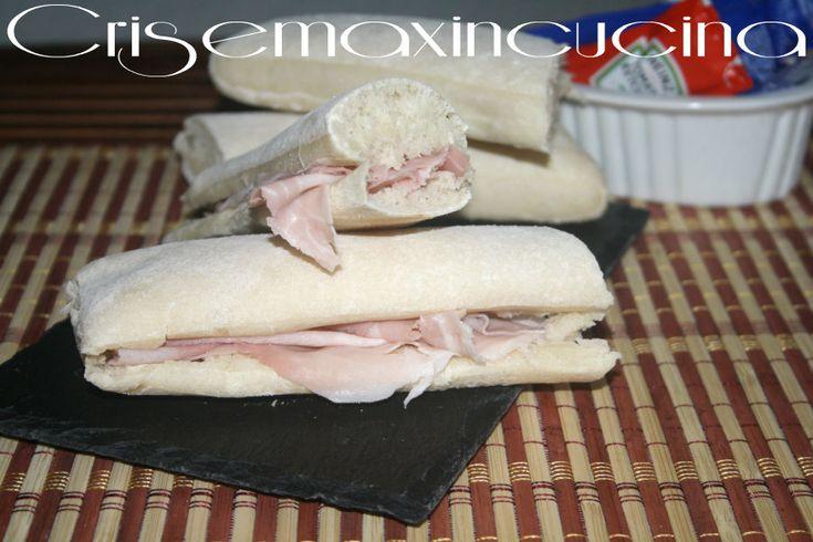 pane arabo preparato con esubero di lievito madre