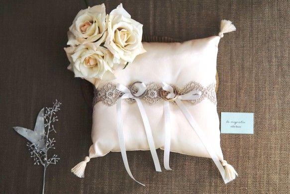 tassel ring pillow:アンティークホワイトのタッセルリングピロー