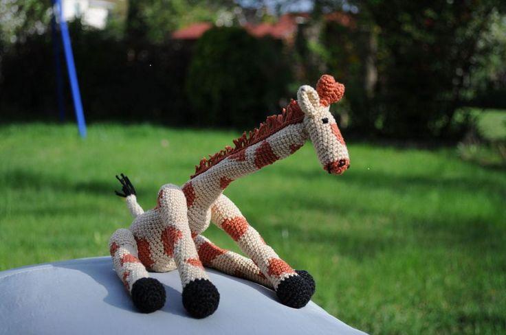 giraffe by http://www.breslo.hu/item/horgolt-zsiraf_1456#