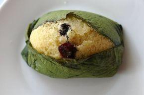 Receta para preparar los tradicionales quimbolitos ecuatorianos. Los quimbolitos o kimbolitos son pasteles dulces que se cocinan al vapor en hojas de achira.