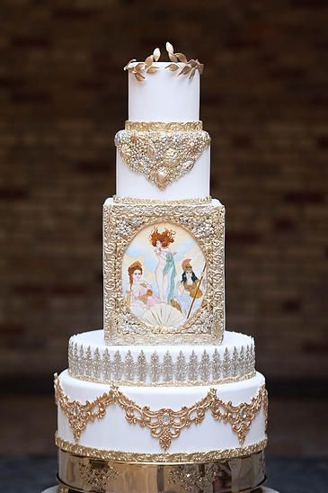 Fine Cakes By Zehra, painted gold and white wedding cake // Pinned by Dauphine Magazine x Castlefield - Curated by Castlefield Bridal & Branding Atelier and delivering the ultimate experience for the haute couture connoisseur! Visit www.dauphinemagazine.com, @dauphinemagazine on Instagram, and @dauphinemag on Pinterest • Visit Castlefield: www.castlefield.co and @ castlefieldco on Instagram / Luxury, fashion, weddings, bridal style, décor, travel, art, design, jewelry