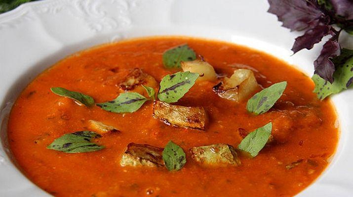 Ароматный и неимоверно вкусный летний суп с томатом и кабачками. Приготовьте его для своей семьи - не пожалеете