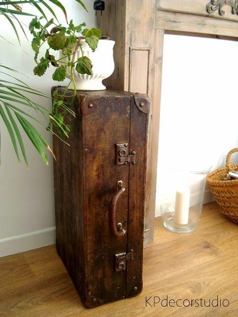 Maleta de madera antigua Ref. M32 ** Wooden vintage suitcase M32