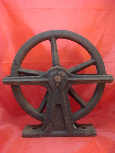 Antique Cast Iron Large Ornate Elevator Wheel Pulley