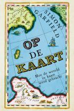 In het aanstekelijk en vlot geschreven boek Op de kaart vertelt Simon Garfield over zijn fascinatie voor kaarten en cartografie. In boeiende verhalen, wetenswaardigheden en anekdotes wordt de tijdslijn van Ptolemaeus tot Google Maps afgewandeld, met de nodige zijsprongen langs onbestaande eilanden, verzonnen bergketens en schatkaarten. Na het lezen kijk je gewoon anders naar kaarten. http://zoeken.bibliotheek.gent.be/?itemid=|v/vubissmart|1117575