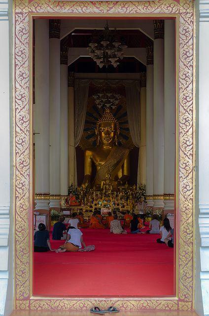 images of buddhists at worship | Buddhist Worship, Chiang Mai, Thailand | Flickr - Photo Sharing!