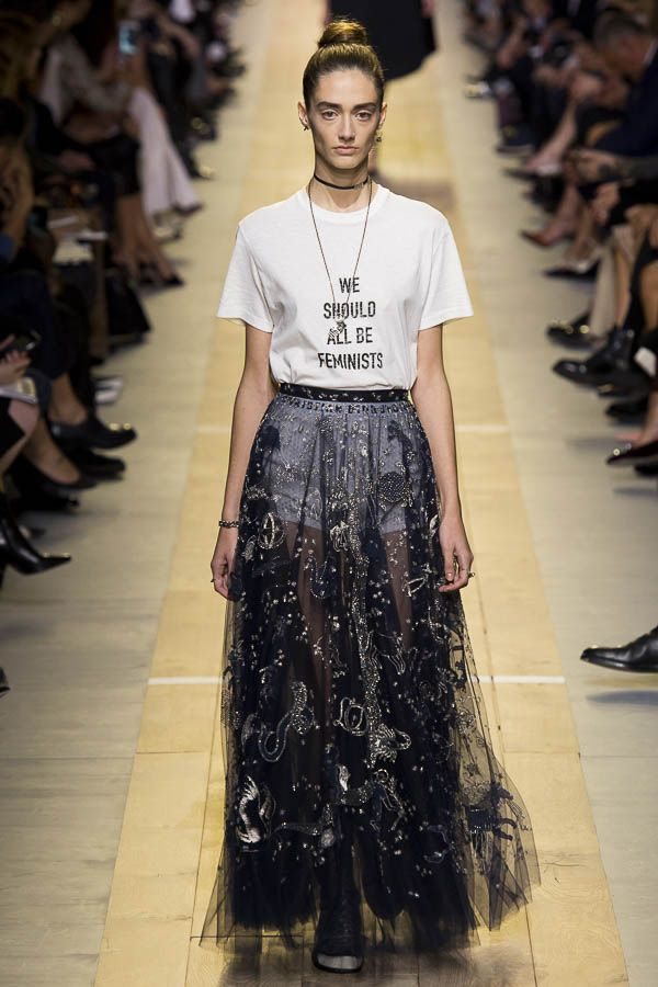 Dior Spring and Summer 2017 T-shirt and skirt