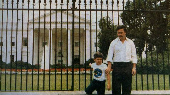 O dia em que Pablo Escobar zombou dos Estados Unidos e tirou esta foto   Internacional   EL PAÍS Brasil