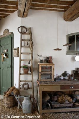 Ugh I want a ladder like this sooooo bad!   And all this need would go away if my mother would just let me have hers!!:)