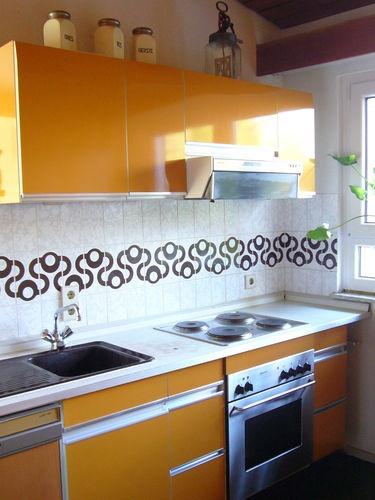 70er Jahre Möbel, Hochglanzküche orange, allmilmö