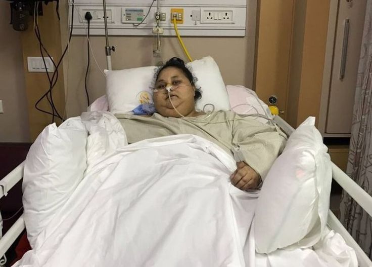 A hospital in Abu Dhabi confirms the Egyptian's death despite recent weight-loss surgery.