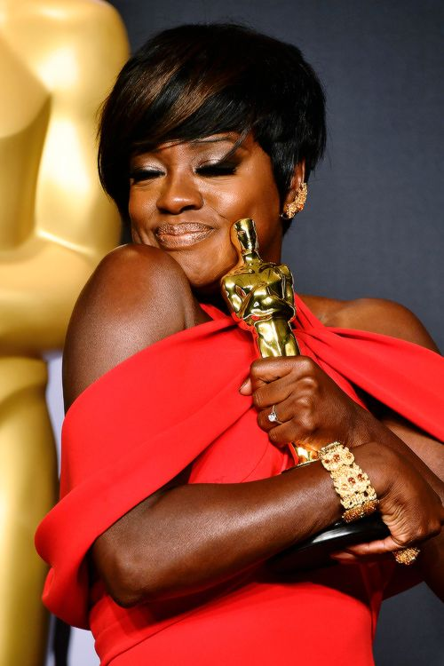 Viola Davis, winner of the Best Supporting Actress award for 'Fences' poses in the press room during the 89th Annual Academy Awards at Hollywood & Highland Center on February 26, 2017 in Hollywood,...