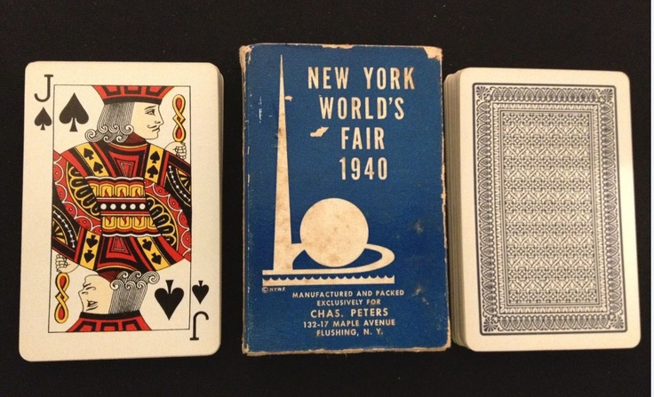 A couple of different Svengali decks were pitched during the course of the New York World's Fair of 1939-1940. This example is a bit understated, another version features color images of the Trylon and Perisphere on both the box and the card backs.