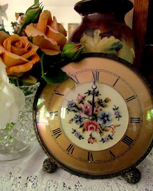 So pretty!: Vintage Clocks, Pretty Clocks, Pretty Old Clocks, Paintings Vintage, Antiques Clocks, Vintage Ticking, Vanities Clocks, Pretty Time, Ticking Tock