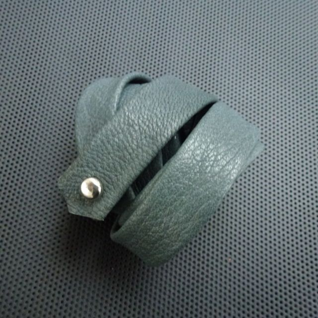 Beacelet,wraps 4times(soft greygreen goat leather) Made by UNNI HOFF