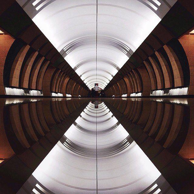 В этом месяце для проекта с хэштегом (@InstagramRussia hashtag project) мы выбрали тему отражений. Мы просим вас публиковать фото и видео отражений которые вы встречаете в вашей жизни  будь то отражения в осенних лужах или отражения на зеркальных поверхностях. Несколько советов от Михаила Затуливетрова (@mzatulivetrov)  инстаграмера из Санкт-Петербурга который публикует свои работы с хэштегом #отражениявсюду: Отражением может послужить любая гладкая поверхность iPad гладкий пол зеркало можно…