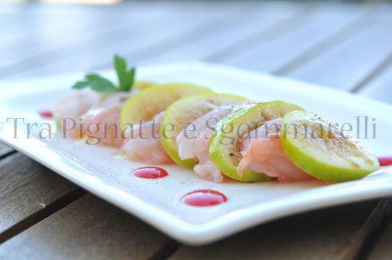 Crudo di scampi marinati al Rhum e Campari, con fichi settembrini, riduzione di campari ed emulsione al balsamico | Tra pignatte e sgommarelli