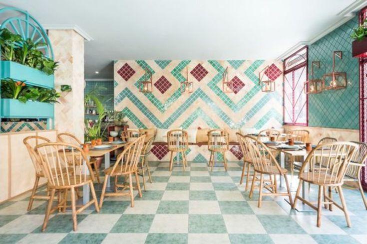 15 Great Interior Design Ideas for Small Restaurant https://www.futuristarchitecture.com/31161-small-restaurant.html