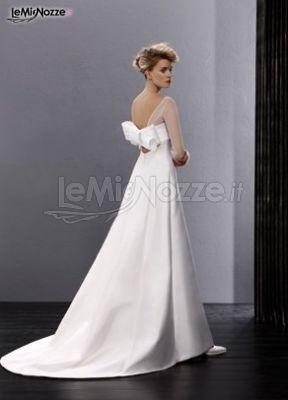 http://www.lemienozze.it/gallerie/foto-abiti-da-sposa/img25028.html  Abito da sposa con fiocco sul retro