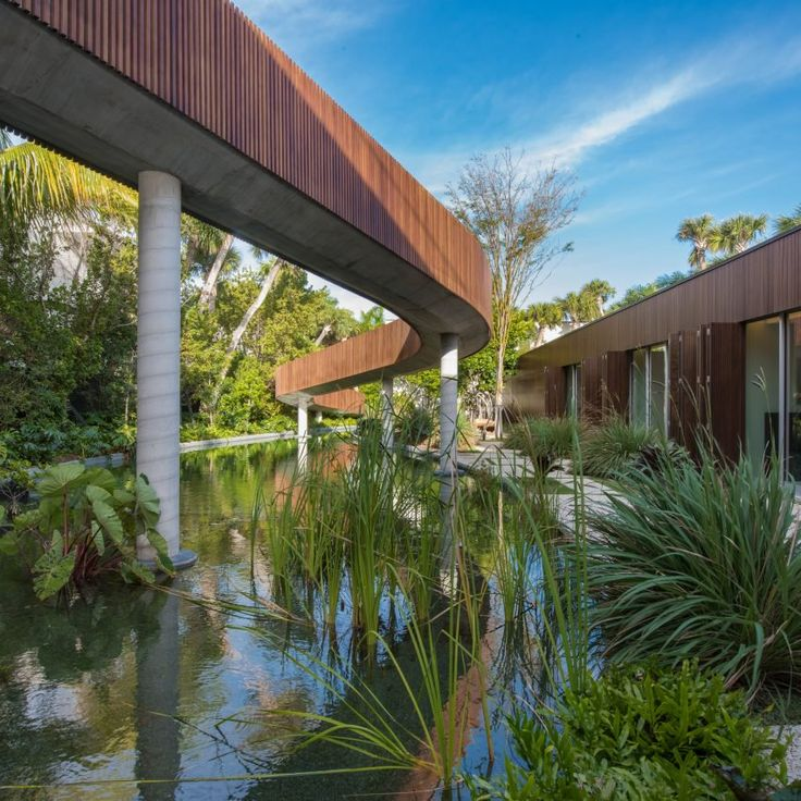 Five of the best houses in florida on pine tree for Florida residential architects