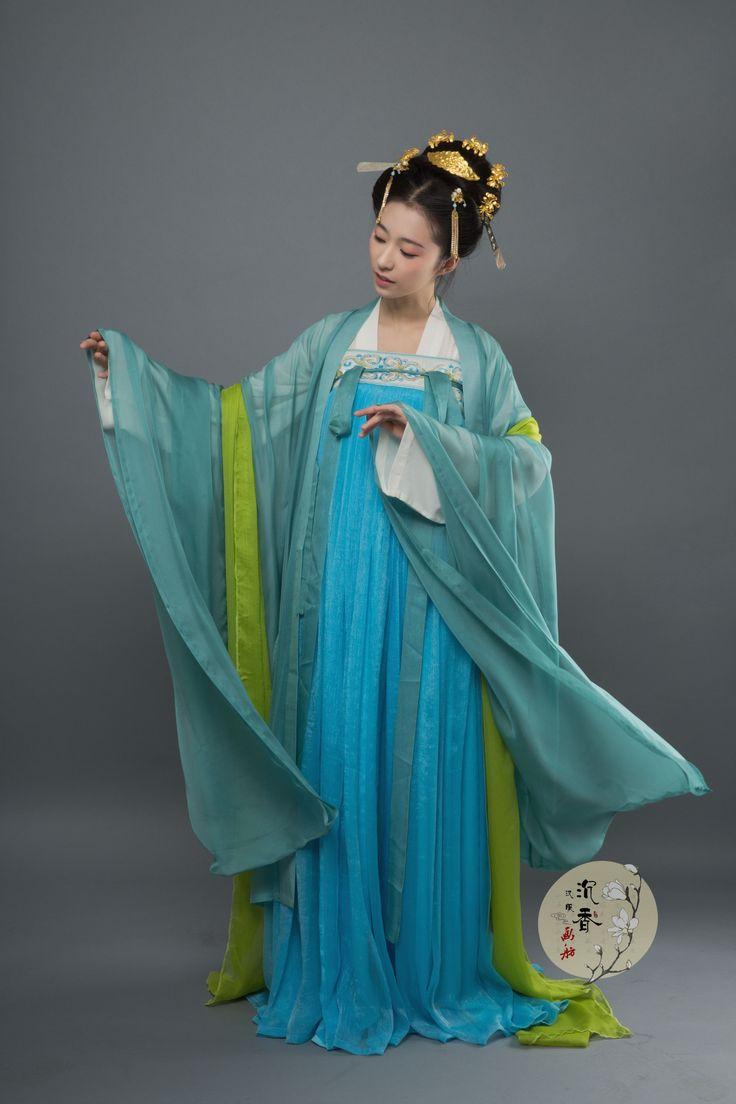 hanfu gallery (Traditional Chinese hanfu, qixiong...)