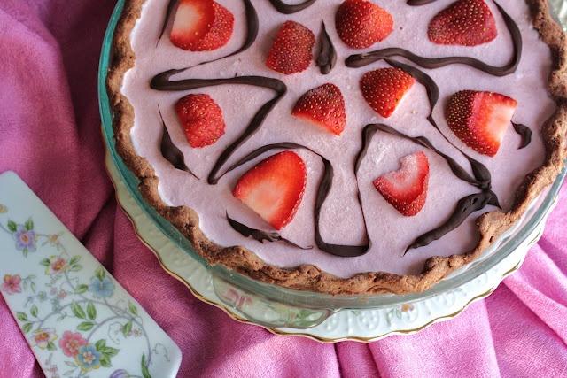 Strawberry Cheesecake with Chocolate Crust: Vegan, Chocolates, Strawberries, Strawberry Cheesecake, Gluten Free, Valentine S, Strawberry Cheezecake, Crusts