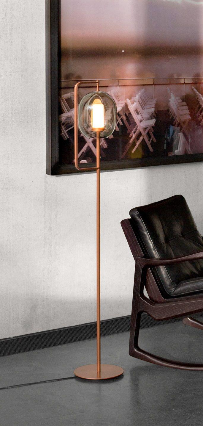 Nouvelle Finition Cuivre Pour Lantern Light Du Studio Neri Hu Editee Par Classicon Ici Sur La Version Lampadaire Mais Aus Lampe De Bureau Deco Luminaire
