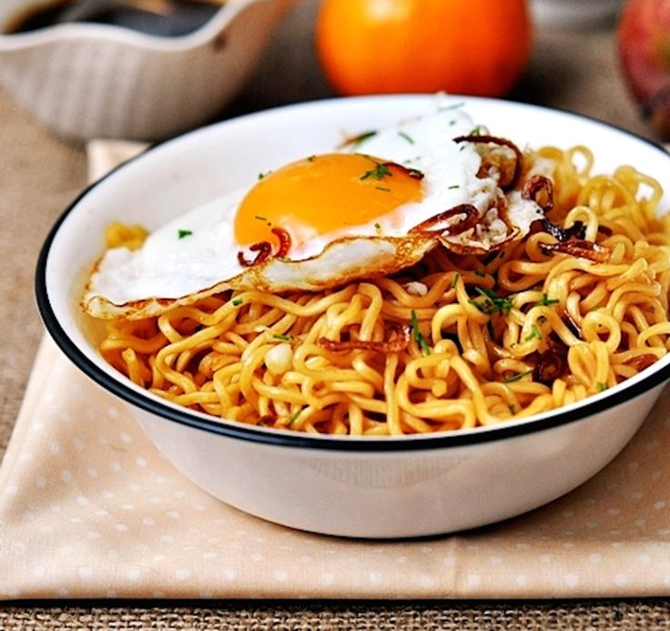 How to Make Your Instant Ramen a Whole Lot Healthier {Pictured is Instant Mi Goreng} | Huffington Post