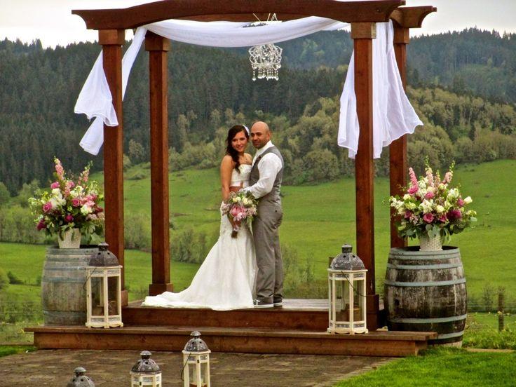 Sweet Cheeks Winery Weddings Stepping Stone Weddings | Stepping Stone Wedding Rentals and Events