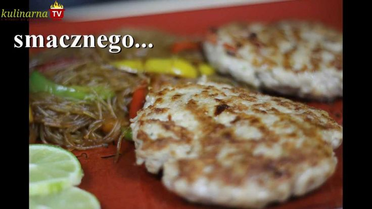 Jak przygotować azjatyckie burgery? Zobacz przepis Video - Pikantne z makaronem sojowym i słodką papryką, jak zrobisz nie zapomnij skomentować:)