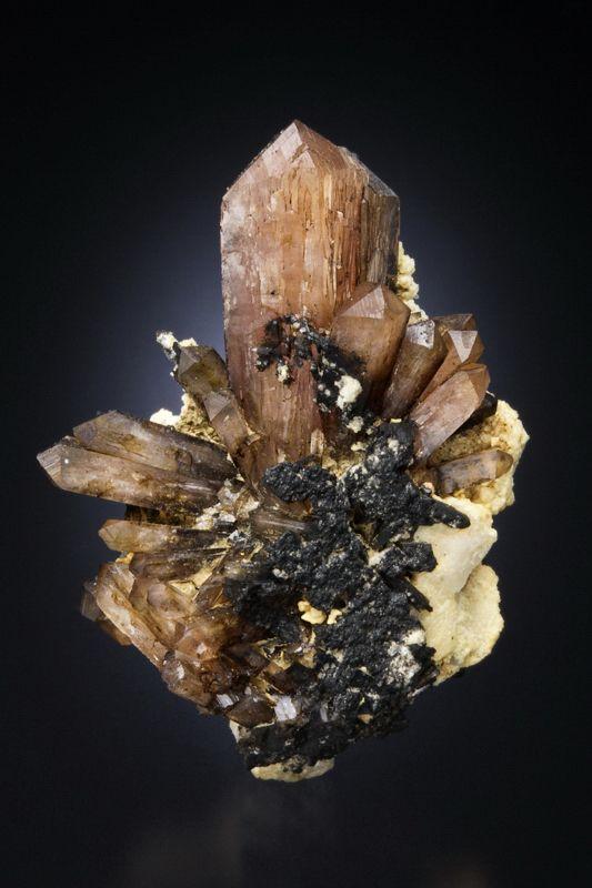 Eosphorite - Laghman Province, Afghanistan Size: 3.7 x 2.6 x 1.7 cm