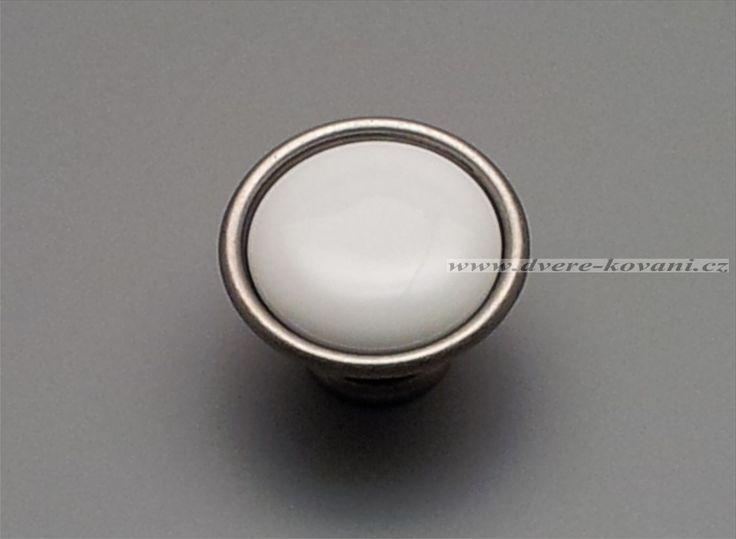 porcelanova-uchytka-knopka-35mm-bila-bez-dekorace-povrch-starostribrny-19