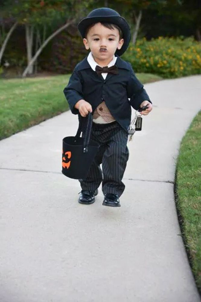 "Squee! I wonder if he's got ""the walk"" down? 34 Babies In Halloween Costumes The Whole World Needs To See"