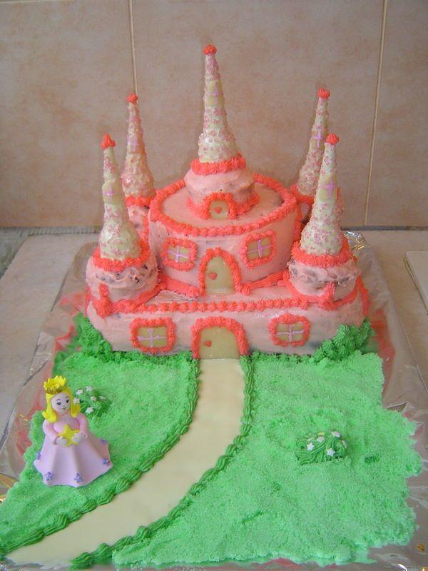 Gâteau château de princesse, pour une petite puce qui fête ses 4