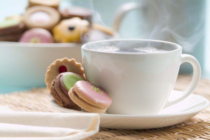 """Endulza tu lunes con unas deliciosas """"GALLETAS"""" de la #reposteriaastor acompañadas de un buen café  www.elastor.com.co"""