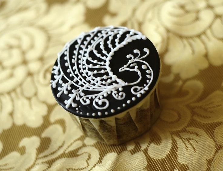 Mehndi Cake Toppers : Peacock henna cupcake design pinterest