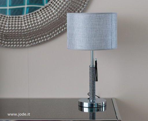 Mya, una #lampada da tavolo e da comodino, preziosa ed elegante, in acciaio e pietra, disponibile in due altezze: cm. 38 e cm. 53, a partire da €. 63,00. Un'idea #regalo che si fa notare!