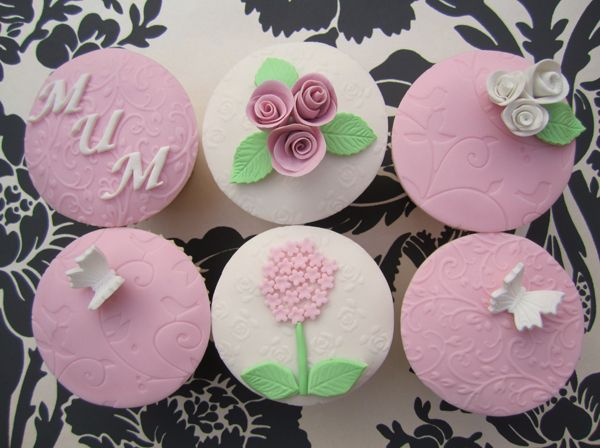 Love these pretty pastel Mothers day cupcakes from Mrs Baker's Cakes