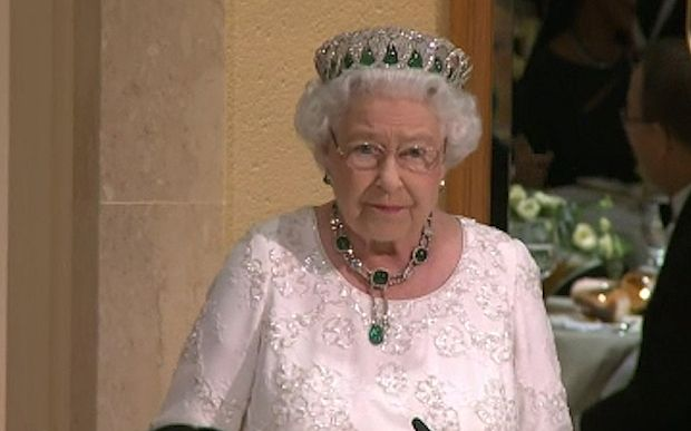 Video: Queen jokes about 'feeling so old' compared to new Canadian prime minister Justin Trudeau - Telegraph